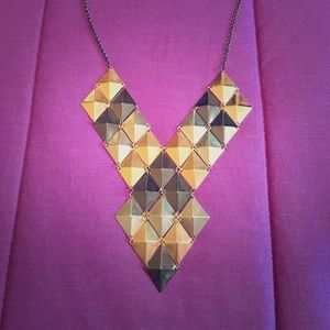 🌅Really cool and funky geometric necklace💛